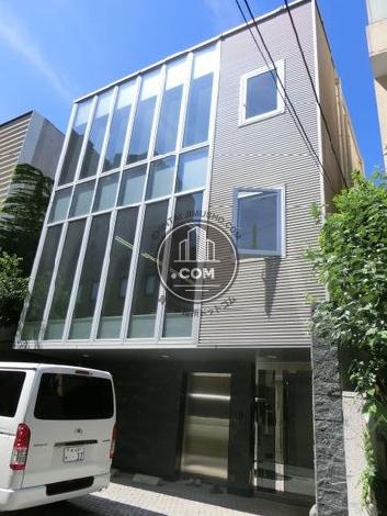 REB南青山ビルの外観写真