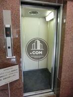 エレベーターが開いた状態