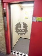 エレベーター内配備された防犯カメラ