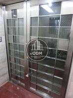特徴的なデザインの扉