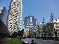 新宿駅方面です