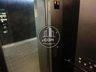 オシャレな造りのエレベーターです