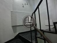 1、2階間の踊り場を撮影