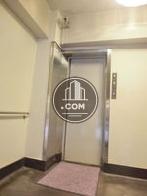 一枚扉のエレベーターです