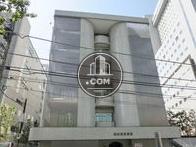 特徴的なデザインの建物