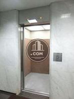 13人乗りのエレベーター