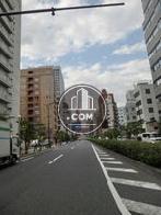 物件前を走る桜田通りから東京タワーを望む