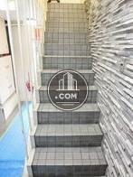 凹凸を用いた内装で構成された階段空間
