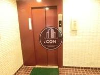 清潔感のあるエレベーターです