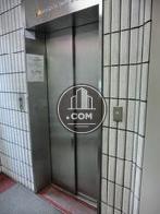 エレベーターが1基設置されています