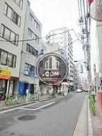 新富町駅へ向かう公道です