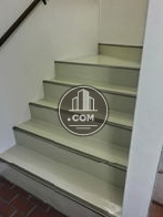 綺麗に清掃された階段です