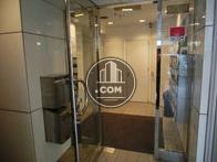 入るとすぐにエレベーターホールです
