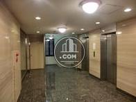 エレベーター前ホールも余裕の広さです