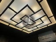 デザイン性の高いエントランスホールの照明です