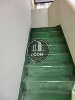 2階より上は緑の外階段です