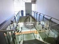 1階、2階専用の階段、廊下