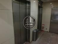 エレベーターは2基ございます。