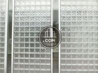 半透明な素材で構築
