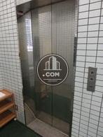 エレベーターは一基です