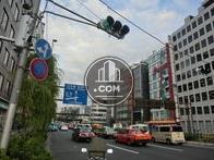 桜田通りに面しています