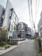 神泉駅へ向かう公道
