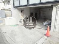 1階の専用駐車場エリア