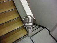 ツートーンカラーの階段