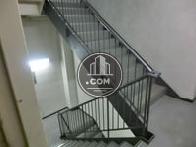 エントランスから繋がっている内階段です