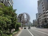目の前は飯田橋一丁目の交差点です