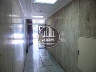 エレベーター前から玄関方向