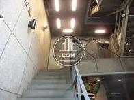 二階店舗への直通の階段の様子