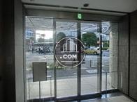 正面入口の自動扉です