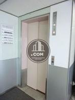 淡いピンクの扉