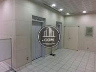 清潔感のあるエレベーターホールです