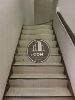 正面玄関から入って右手にある階段