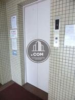 6人乗りエレベーターが一基