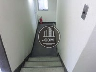 エレベーターホールからの踊り場(廊下)です