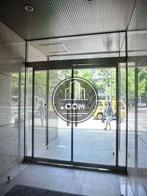 透明度の高い扉