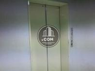 エレベーターが1基