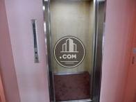 9人乗りのエレベーター