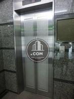 高級感ある絵柄のエレベーターですね