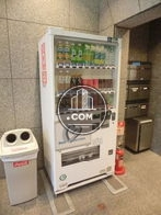 エントランス内にある自動販売機です