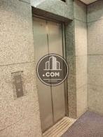 エントランス内にあるエレベーターです