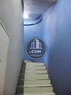 青を基調にした階段です
