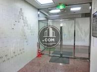 エレベーターホールへの自動ドア