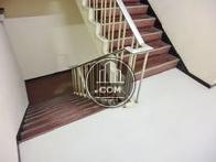 幅広な階段回り