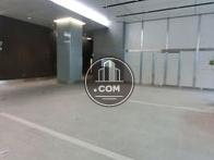 奥のエレベーターホールは低層階用です