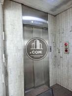 エレベーターの乗り場前