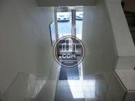 エレベーター前から玄関方向を見た視点